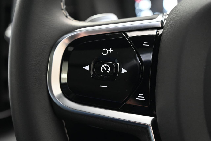 2019 MY20 Volvo XC60 UZ T6 R-Design Suv Image 17