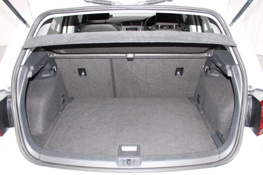 2015 Volkswagen Golf VII  90TSI Hatchback Image 7
