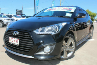 2014 Hyundai Veloster FS4 Series II SR Coupe D-CT Turbo + Hatchback Image 2