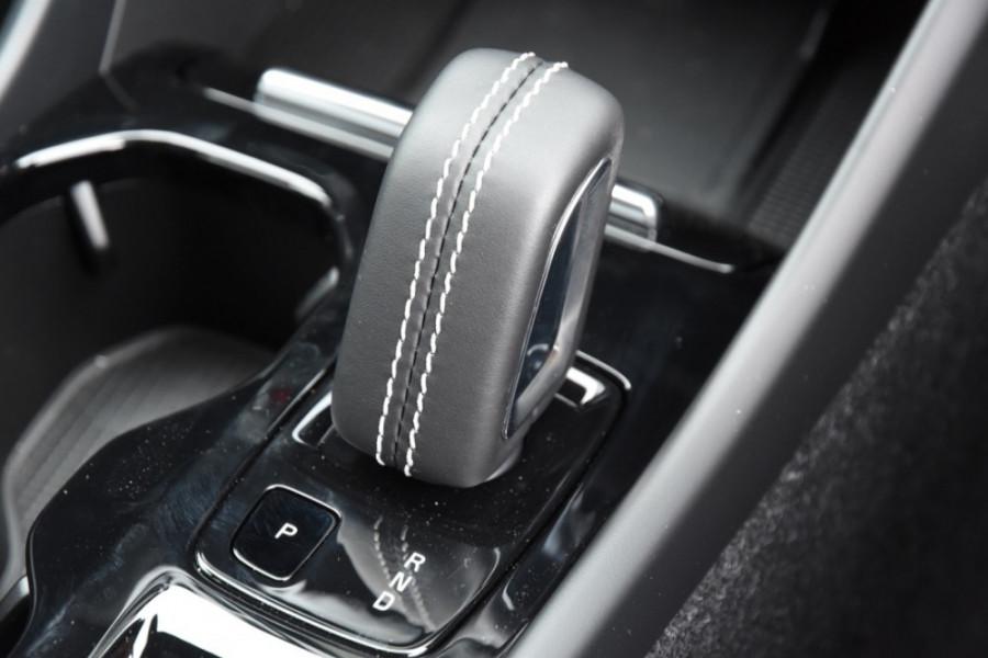 2019 MY20 Volvo XC40 XZ T5 R-Design Suv Image 13