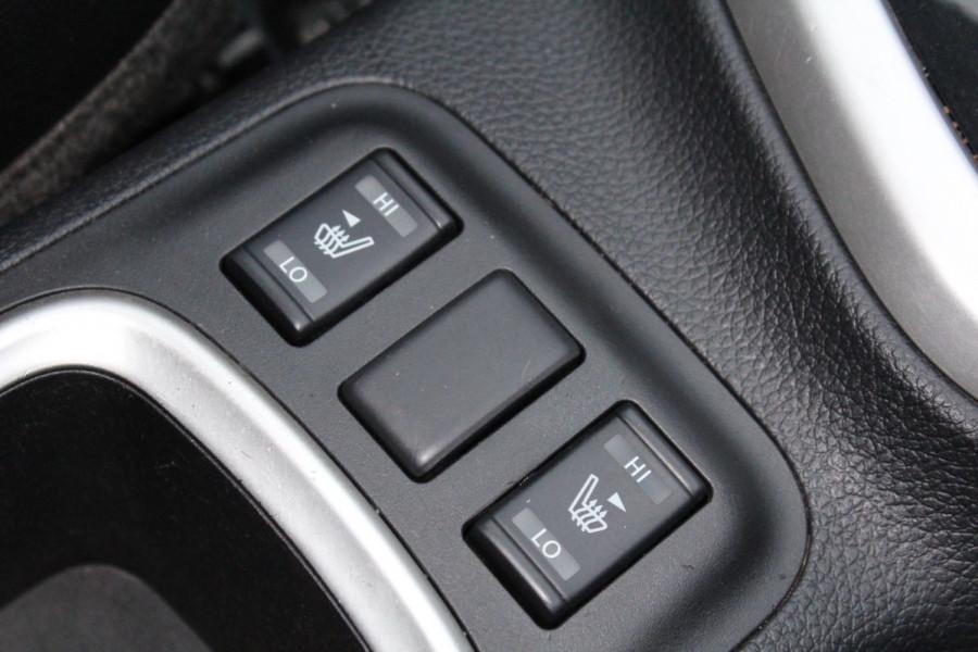 2017 Nissan Navara ST-X Image 31