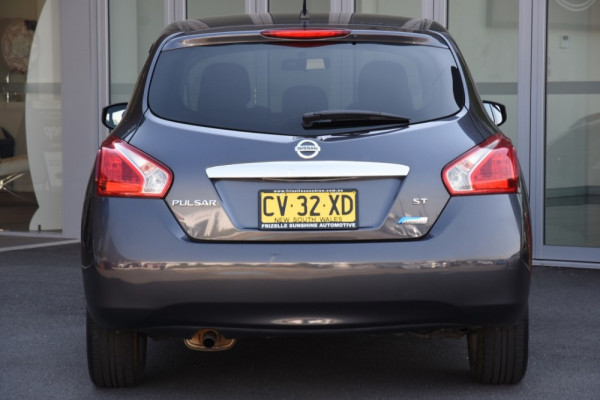 2013 Nissan Pulsar C12 ST Hatchback Image 4