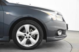 2011 Holden Cruze Vehicle Description. JH  II MY11 SRI SEDAN 4DR SA 6SP 1.4T SRi Sedan Image 5