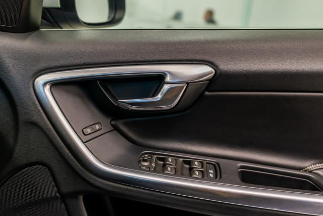 2016 MY17 Volvo S60 F Series T6 R-Design Sedan Image 37
