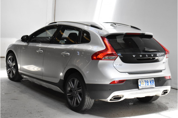 2014 Volvo V40 Cross Country (No Series) MY14 D4 Luxury Hatchback Image 2