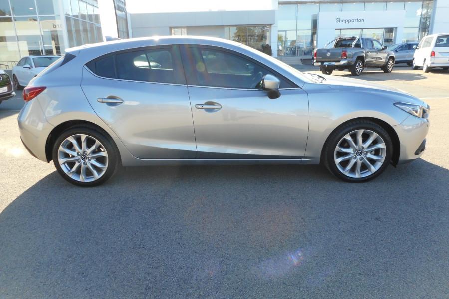 2015 Mazda 3 Hatchback Image 1