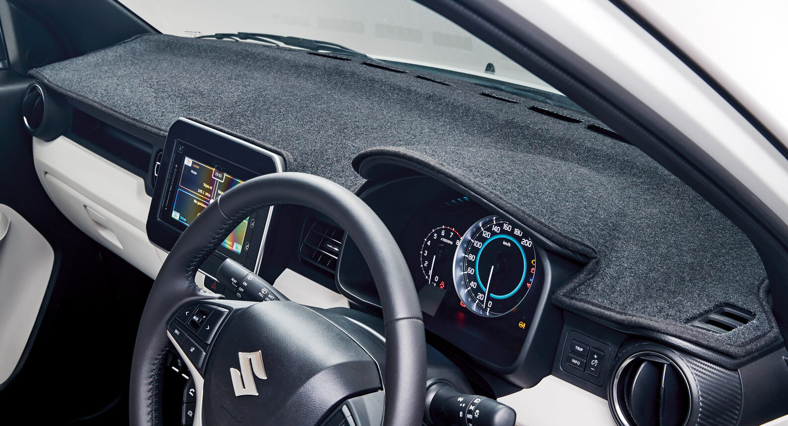 Ignis - Dashboard Protection Mat
