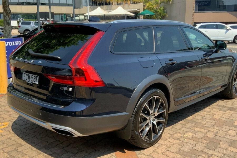 2019 Volvo V90 236 MY19 D5 Cross Country Inscription Wagon Mobile Image 4