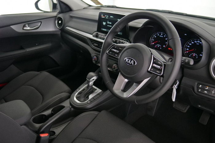 2020 Kia Cerato Hatch BD S with Safety Pack Hatchback Image 5