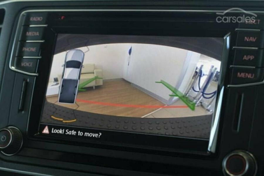 2017 MYV6 Volkswagen Amarok 2H Ultimate Utility