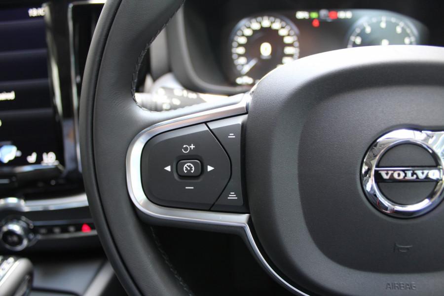 2021 Volvo XC60 UZ T5 Momentum Suv Image 13