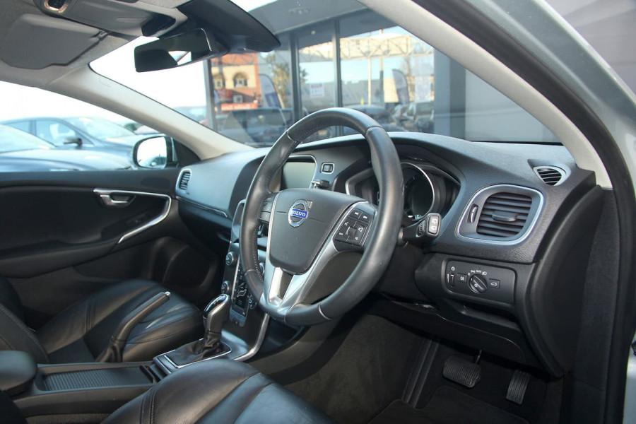 2013 Volvo V40 (No Series) MY13 T4 Luxury Hatchback