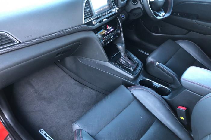 2017 MY18 Hyundai Elantra AD MY18 SR Sedan Image 5