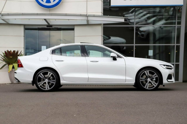 2020 Volvo S60 Z Series T5 Geartronic AWD Inscription Sedan Image 5