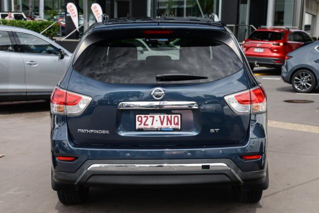 2015 Nissan Pathfinder R52  ST Wagon Image 4