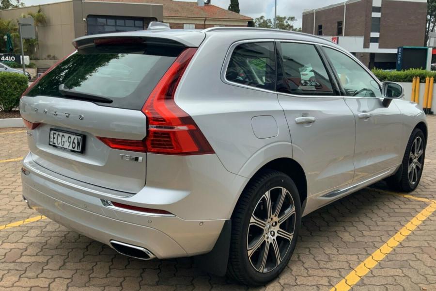 2018 MY19 Volvo XC60 246 MY19 T5 Inscription (AWD) Suv Mobile Image 4