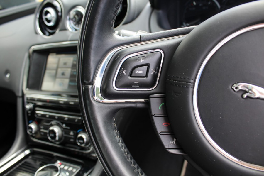 2015 Jaguar Xj X351 MY15 Premium Sedan Image 10