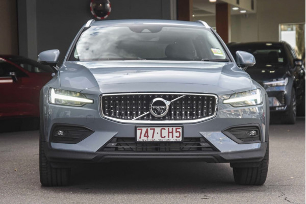2021 MY22 Volvo V60 Z-Series B5 Cross Country Wagon Image 2