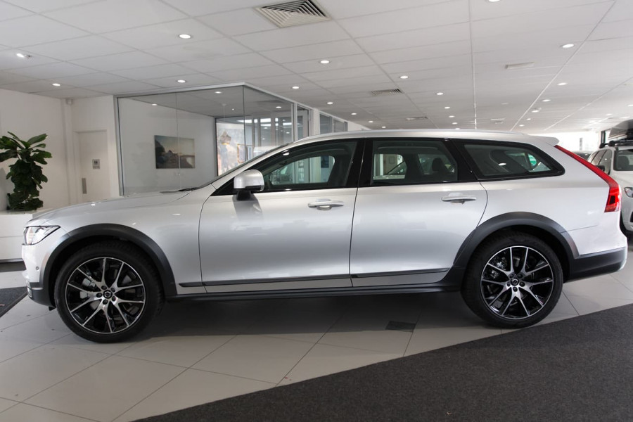 2019 MY20 Volvo V90 Cross Country P Series D5 Wagon Image 7