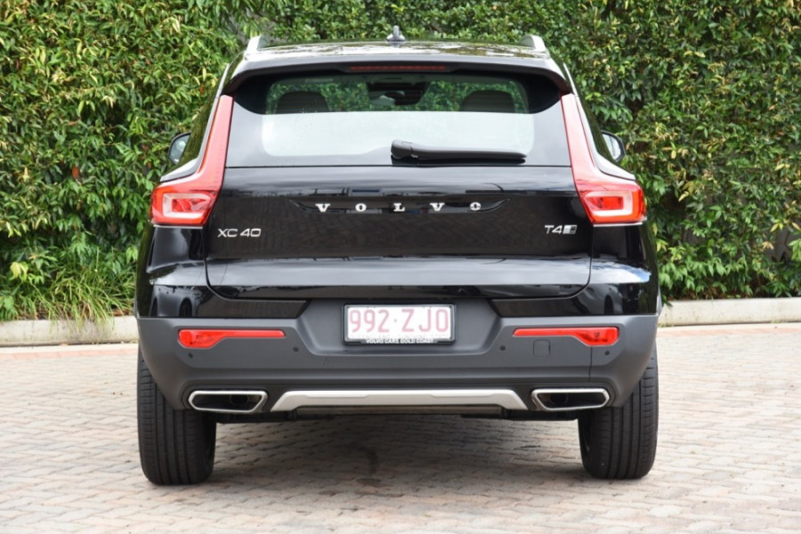2019 Volvo XC40 XZ T4 Inscription Suv Image 4