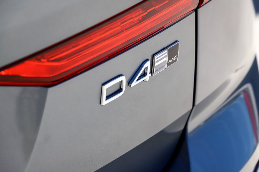 2020 Volvo XC60 UZ D4 Inscription Suv Image 18