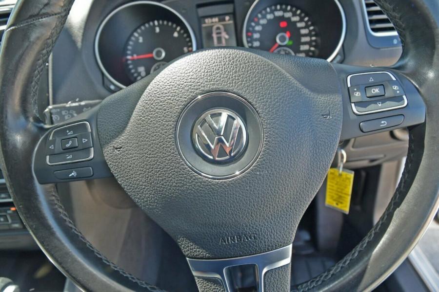 2010 MY11 Volkswagen Golf VI MY11 103TDI DSG Comfortline Wagon Image 11