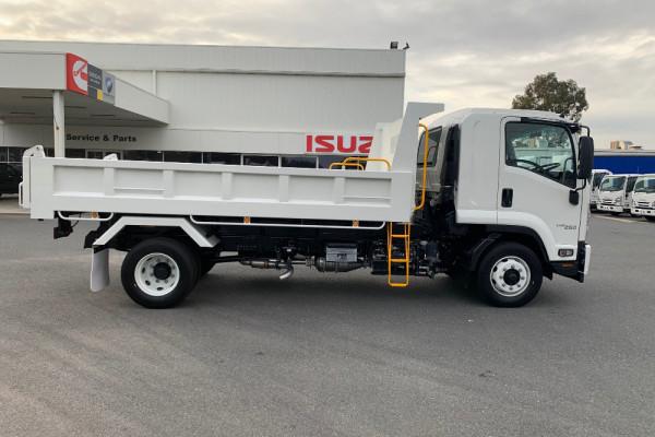 2020 Isuzu Fh Series FH FSR140/120-260 Tipper Image 3