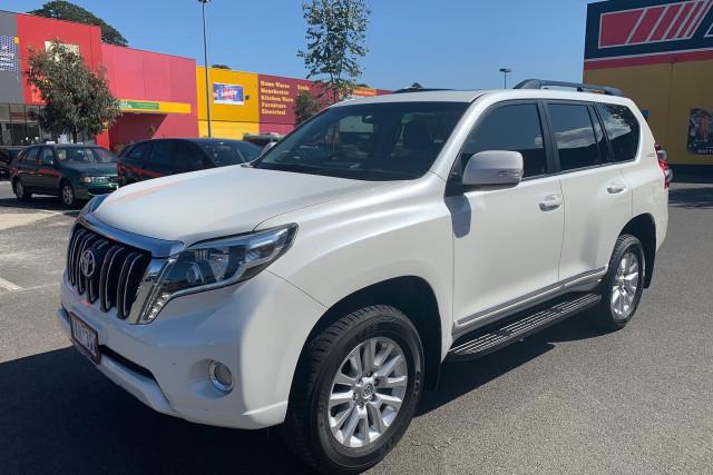 2017 Toyota Landcruiser Prado Altitude