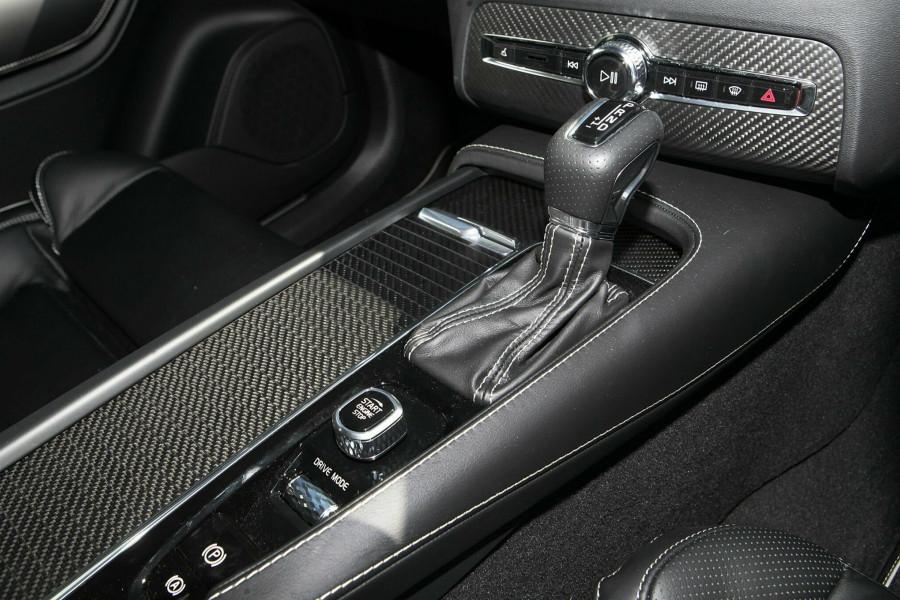 2019 Volvo XC90 L Series D5 R-Design Suv Mobile Image 11