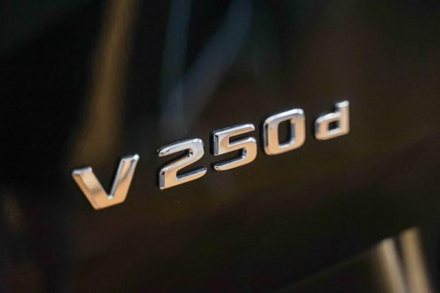 2017 Mercedes-Benz V-class 447 V250 d Avantgarde Wagon Image 7