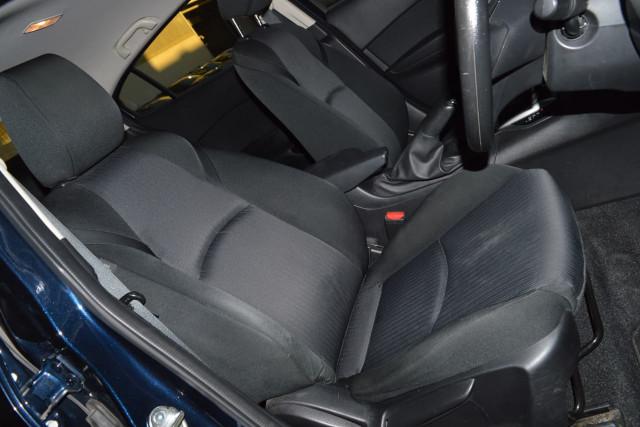 2015 Mazda 3 Neo 13 of 23
