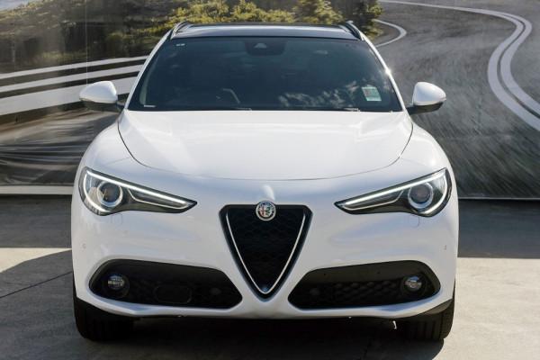 2018 Alfa Romeo Stelvio Stelvio Suv Image 2