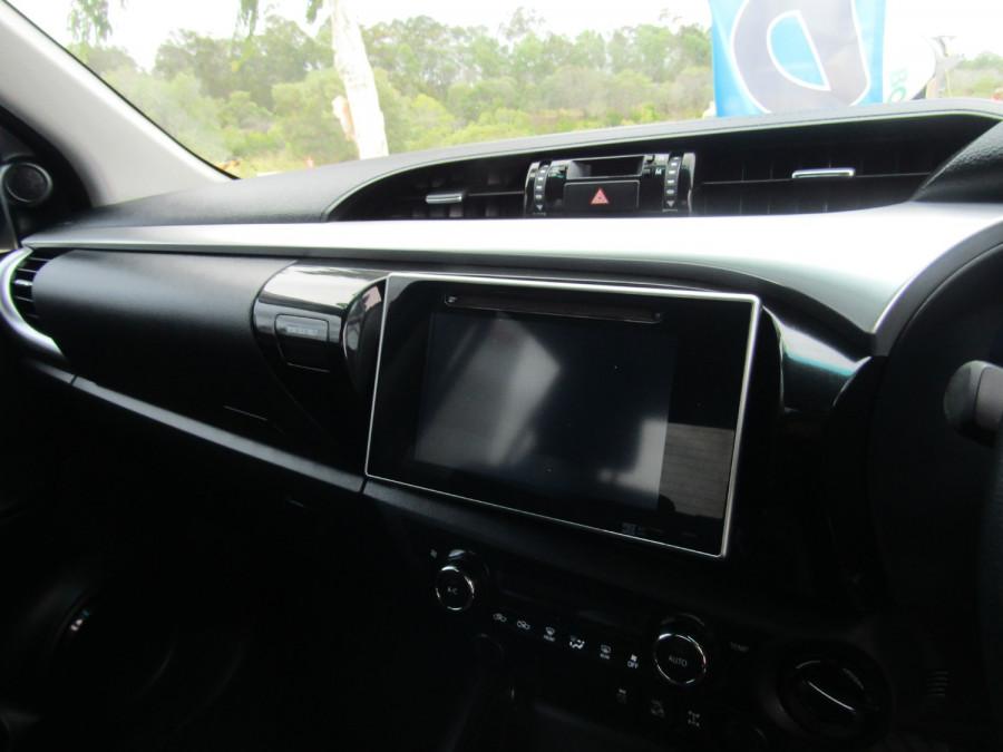 2017 Toyota HiLux GUN126R SR5 Utility Image 18