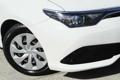 2017 Toyota Corolla ZRE182R Ascent S-CVT Hatchback Image 2