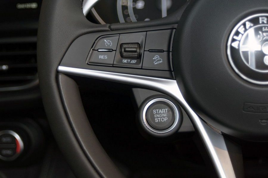 2018 Alfa Romeo Stelvio Stelvio Suv Mobile Image 20