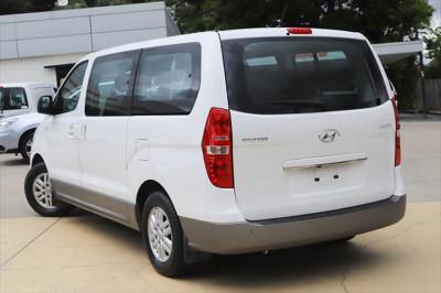 2016 Hyundai Imax TQ3-W Series II MY17 Wagon Image 3