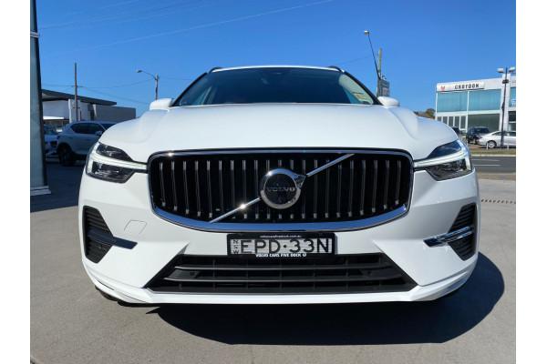 2022 MYon Volvo XC60 B5 Momentum Suv Image 4