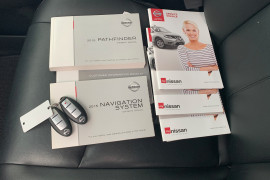 2016 Nissan Pathfinder R52 MY16 ST-L Suv Image 5