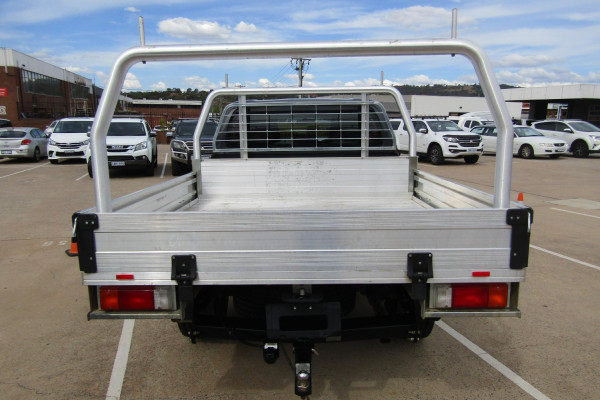 2017 Toyota HiLux SR 4x4 Double-Cab Cab-Chassis Utility