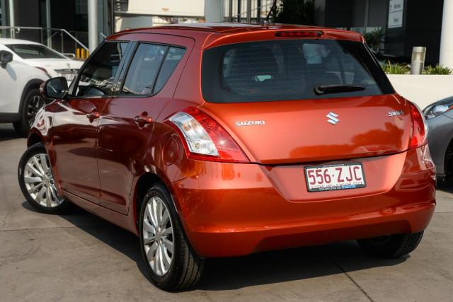 2012 Suzuki Swift FZ GLX Hatchback Image 2