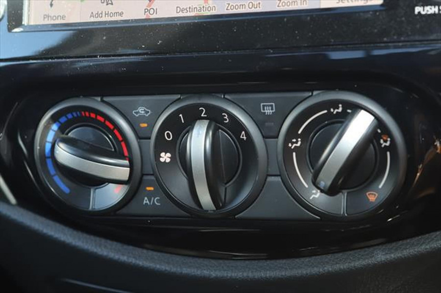 2021 Nissan Navara D23 Dual Cab ST Pick Up 4x2 Utility Image 21