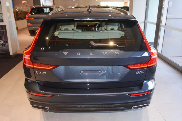 2021 MY22 Volvo V60 Z-Series B5 Cross Country Wagon Image 4