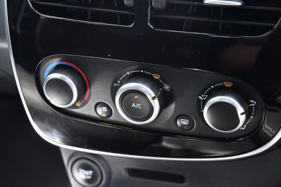2015 Renault Clio IV B98 Expression Hatchback Image 15