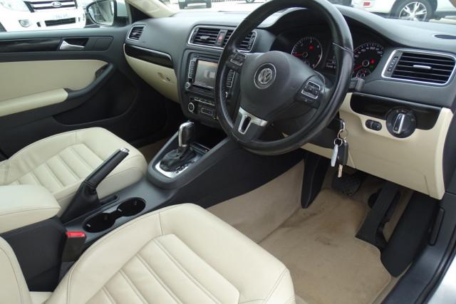 2011 Volkswagen Jetta 103TDI 15 of 24
