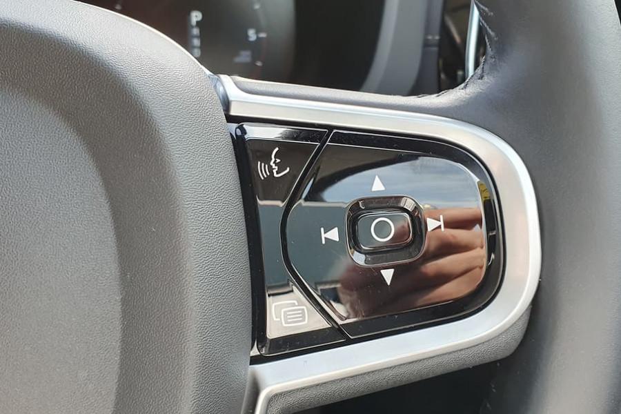 2020 Volvo XC60 UZ D4 Inscription Suv Mobile Image 24