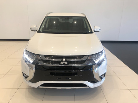 2017 Mitsubishi Outlander ZK PHEV LS Awd wagon Image 3