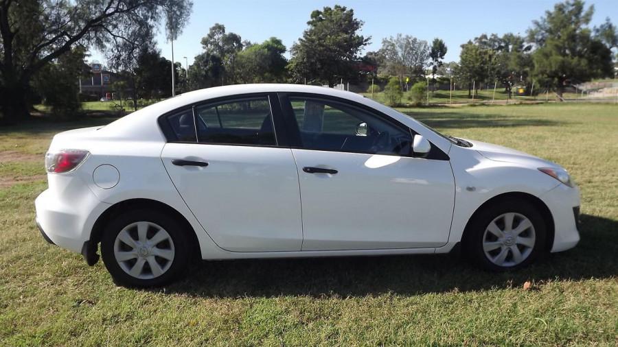 2011 Mazda 3 BL10F2 Neo Sedan Image 10