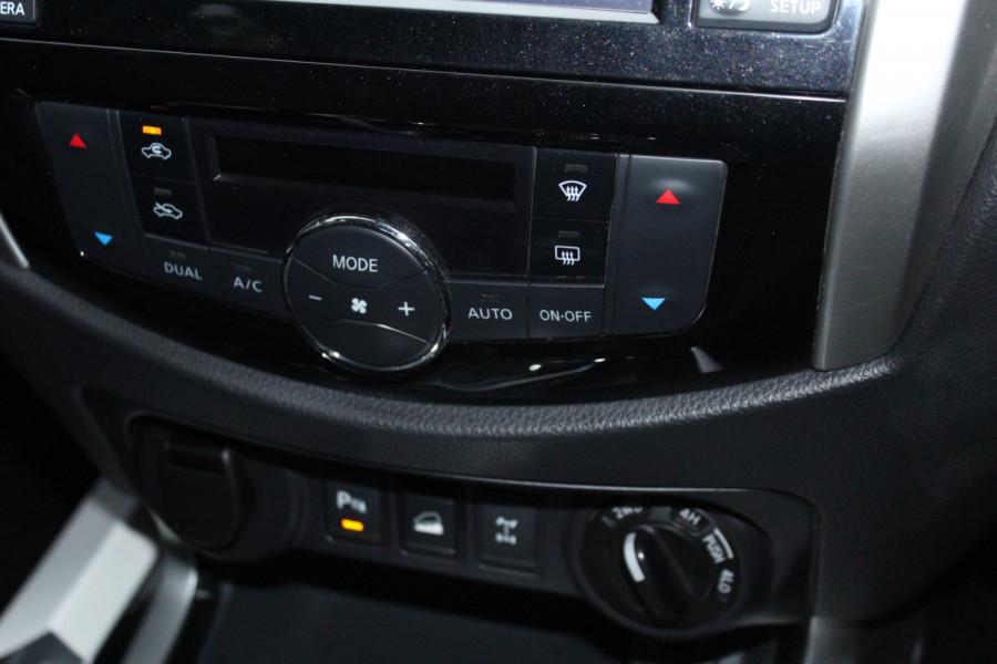 2017 Nissan Navara ST-X Image 29