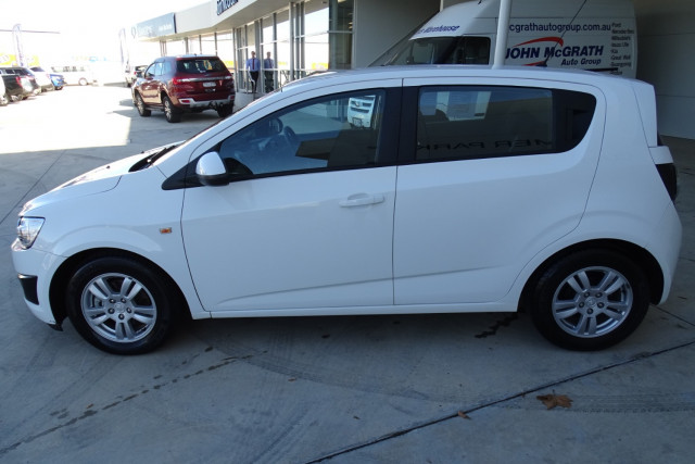 2012 Holden Barina CD Hatch 8 of 22