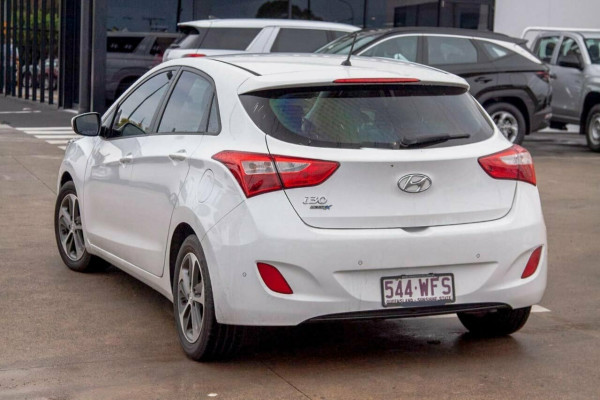 2015 Hyundai i30 GD4 Series 2 Active X Hatchback Image 2
